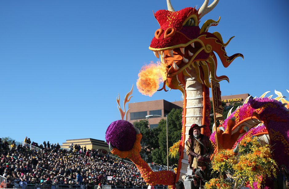 2448591_me_0101_rose_parade_MWY_4104_t940